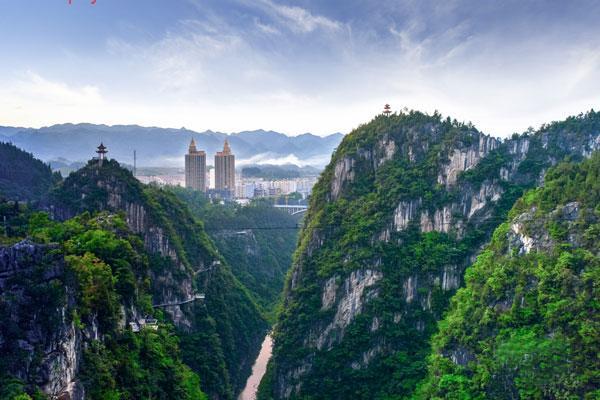 黔江已经打造了小南海镇,石会镇,水市乡,白土乡,五里乡等5个避暑纳凉